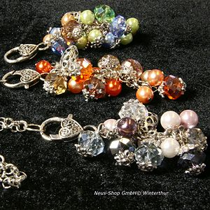 These charm followers of Neus shop making jewelry enlarge