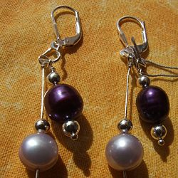 This silver earrings with freshwater pearls enlarge